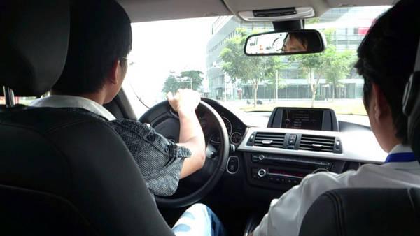 học lái xe ô tô số tự động tại trung tâm