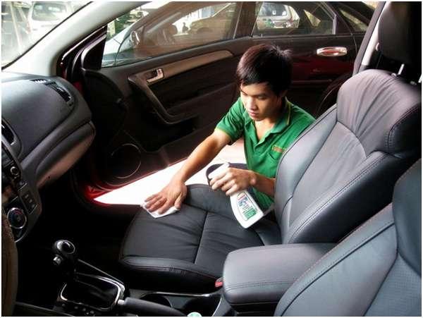 cách khử mùi hôi trên ô tô