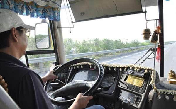 kinh nghiệm lái xe đường dài an toàn